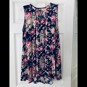 Umgee Floral sleeveless top size M